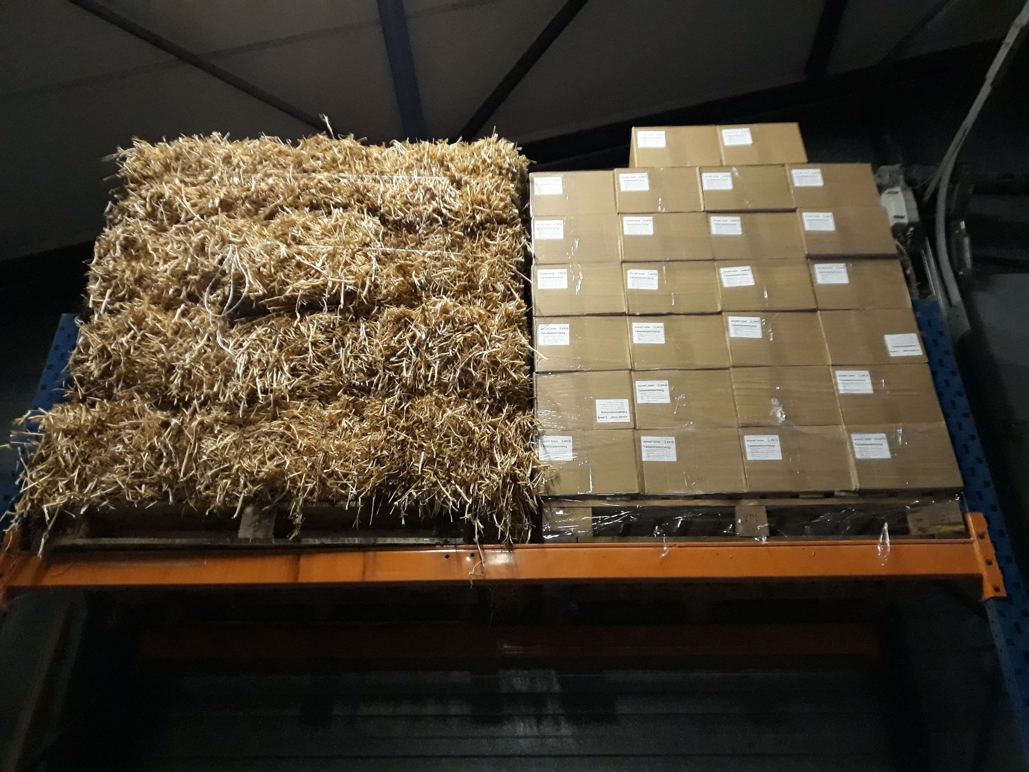 erwtenstro-tabakstelen